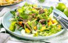 Knackig-fruchtiger Salat mit Mango